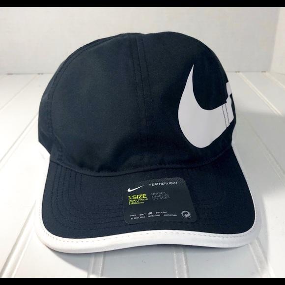 huge selection of b8e3b 07e2e Nike Aerobill Featherlight Dri-fit Cap Black White
